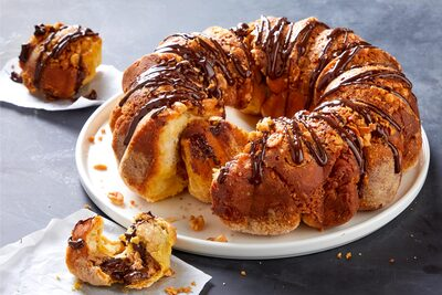 Stuffed Chocolate-Peanut Butter Monkey Bread
