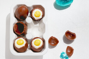 Cheesecake-Filled Easter Eggs
