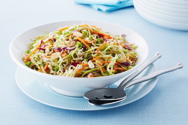 Crunchy Asian Broccoli Coleslaw opskrift - My Food And Family-6506