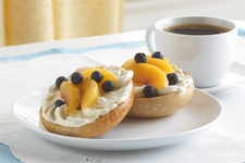 PHILLY Fruity Bagel