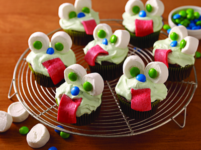 'Slime-Filled' Monster Cupcakes