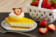 Easy Lemon Cheesecake Pie with Strawberries