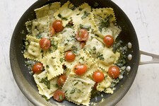 Cheese Ravioli with Tomato & Basil