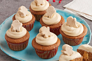 Pudding-Filled Gingerbread Cupcakes
