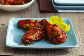 Easy Sriracha-BBQ Chicken Wings