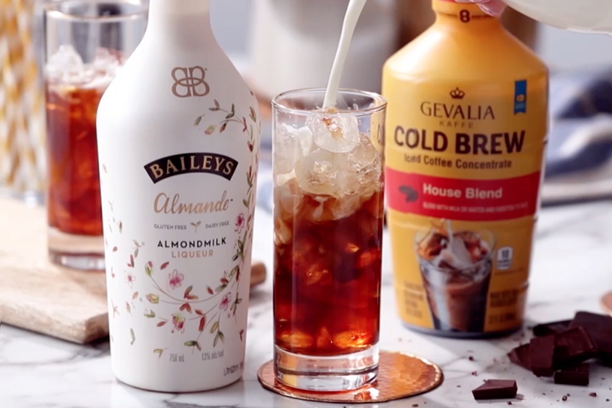 BAILEYS Almande™ & Smooth GEVALIA Cold Brew