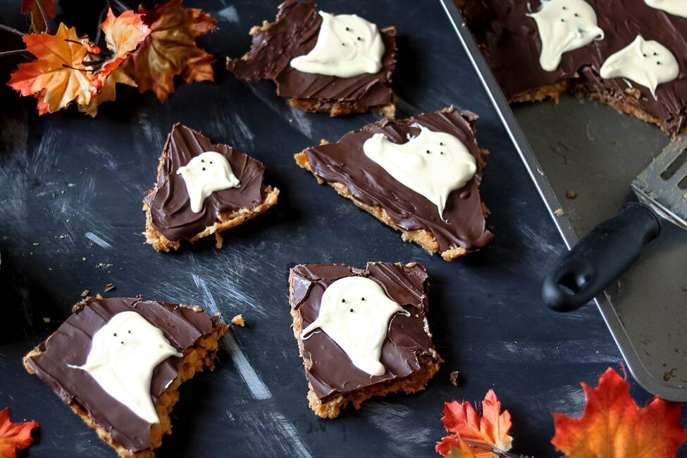 No-Bake Peanut Butter Ghost Bark