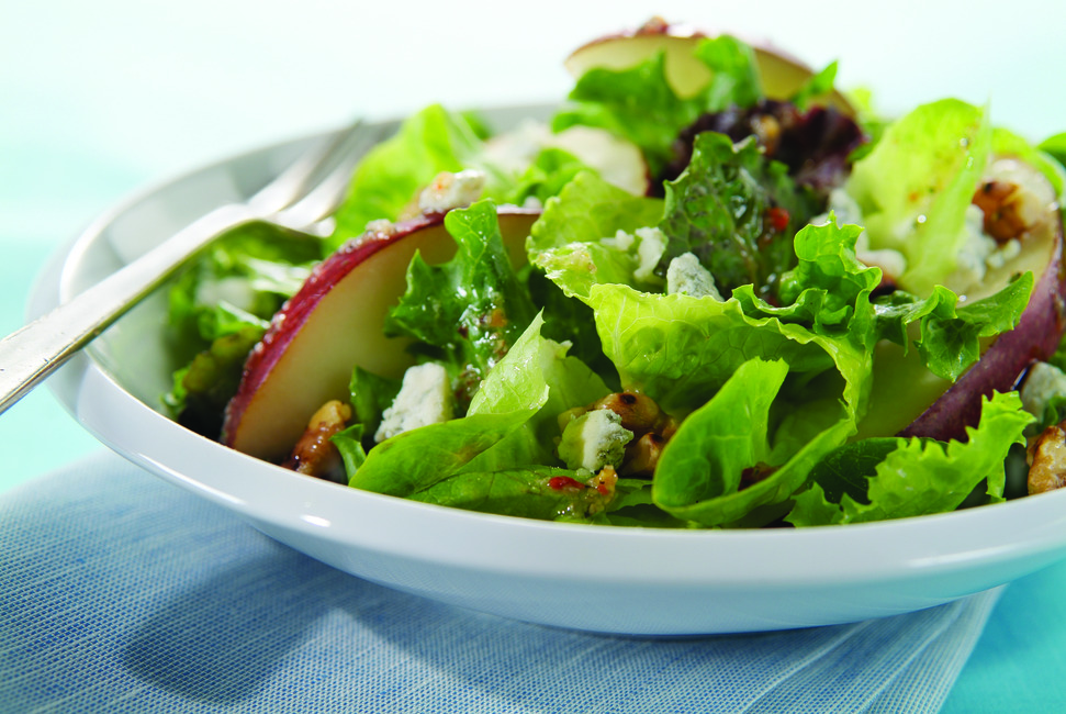 Pear & Walnuts with Mixed Greens