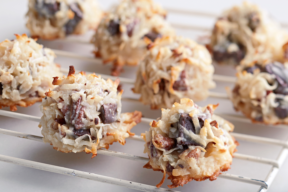 BAKER'S ONE BOWL Chocolate Chunk Macaroons