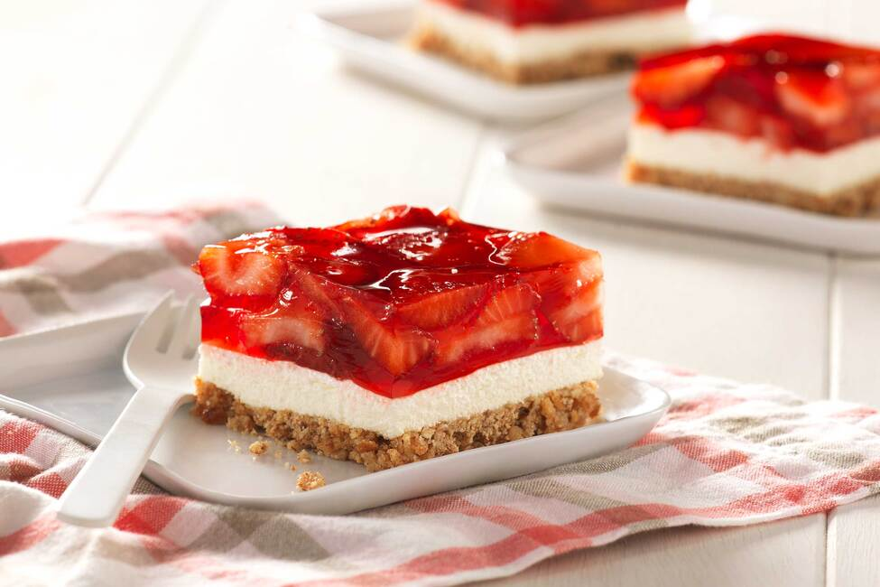 Strawberry Pretzel Dessert Squares