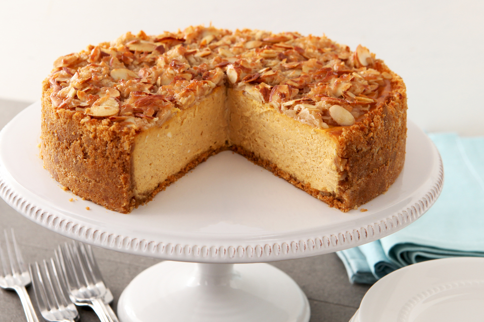 Almond-Crunch Pumpkin Cheesecake