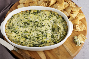 Quick & Creamy Spinach and Artichoke Dip