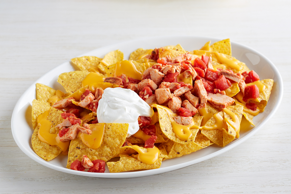 Cheesy Chicken Chili Nachos