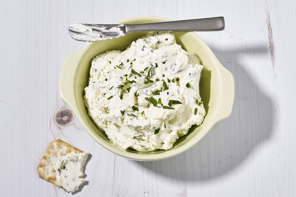 Creamy Garlic-Goat Cheese Spread