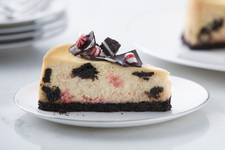 Peppermint Bark Cookies and Cream Cheesecake