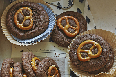 Brownie-Pretzel Cookies
