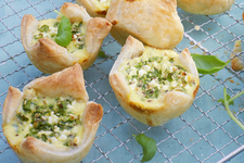 Savory Puff Pastry Spinach-and-Pesto Bites