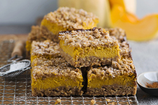 Cinnamon Streusel-Pumpkin Cheesecake Bars