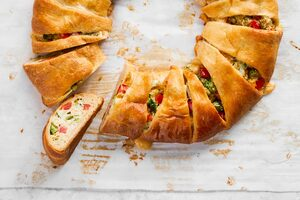 Broccoli Cheese Crescent Ring