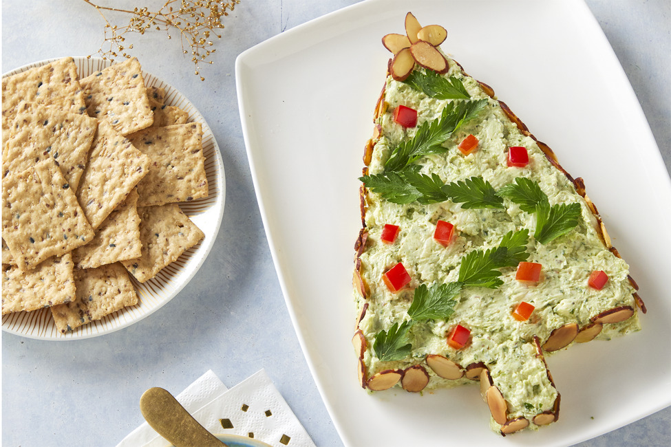 Pesto Cream Cheese Tree