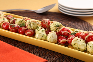 Bistro Tomato and Mozzarella Salad with Pesto