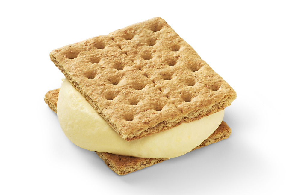 Pudding and Graham Cracker Sandwiches