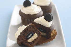 Cookie Surprise Cupcakes