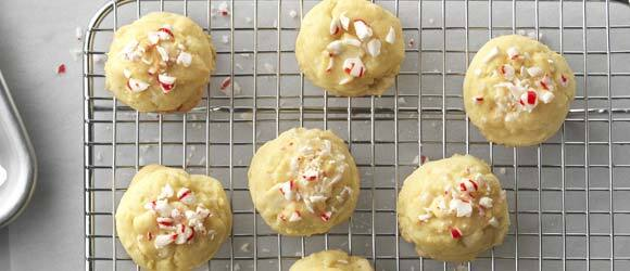 White Chocolate-Peppermint Pudding Cookies